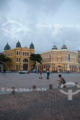 Assunto: Praça do Rio Branco - também conhecido como Marco Zero - com prédios da Associação Comercial de Pernambuco e a Caixa Cultura ao fundo / Local: Recife - Pernambuco (PE) - Brasil / Data: 01/2013