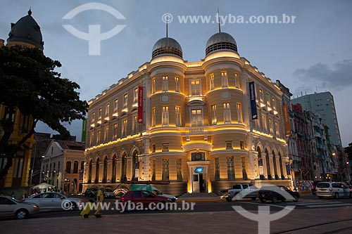 Assunto: Caixa Cultural Recife (1912) à noite / Local: Recife - Pernambuco (PE) - Brasil / Data: 01/2013