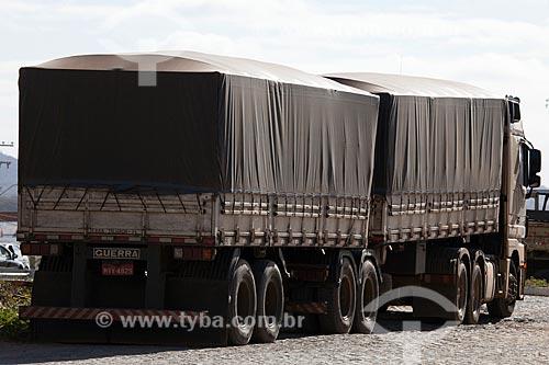 Assunto: Caminhão graneleiro / Local: Serra Talhada - Pernambuco (PE) - Brasil / Data: 01/2013