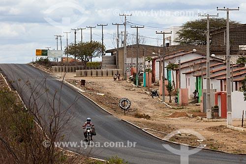 Assunto: Casas do Programa Minha Casa Minha Vida às margens da Rodovia PE-320 / Local: São José do Egito - Pernambuco (PE) - Brasil / Data: 01/2013