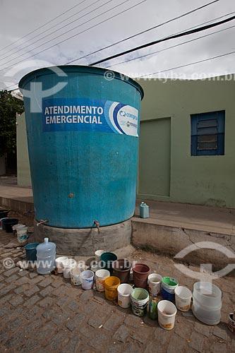 Assunto: Caixa dágua da COMPESA à espera de água do Projeto Operação Pipa / Local: São José do Egito - Pernambuco (PE) - Brasil / Data: 01/2013