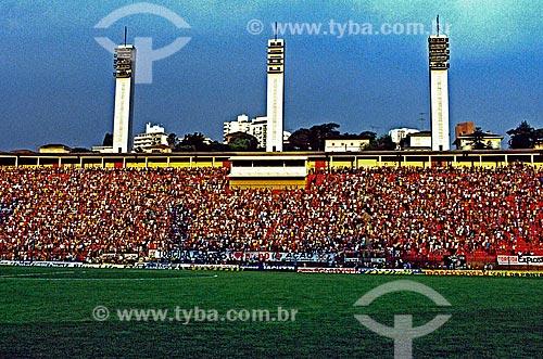 Assunto: Arquibancada lotada por torcedores no Estádio Municipal Paulo Machado de Carvalho conhecido como Pacaembu / Local: Pacaembu - São Paulo (SP) - Brasil / Data: 1998