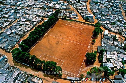 Assunto: Vista de campo de futebol na comunidade de Heliópolis / Local: São Paulo (SP) - Brasil / Data: 1994