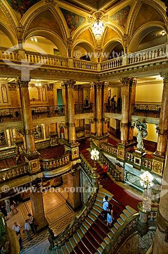 Assunto: Escadaria interna do Theatro Municipal do Rio de Janeiro / Local: Centro - Rio de Janeiro (RJ) - Brasil / Data: 12/2012