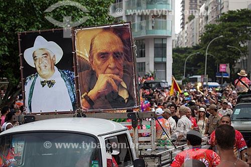 Assunto: Desfile da Banda de Ipanema - carro com imagens de Albino Pinheiro - fundador do bloco de carnaval de rua Banda de Ipanema - à esquerda e Oscar Niemeyer à direita / Local: Ipanema - Rio de Janeiro (RJ) - Brasil / Data: 01/2013