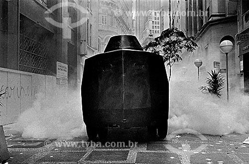 Assunto: Veículo blindado da Polícia Militar durante a greve dos bancários / Local: São Paulo (SP) - Brasil / Data: 1979