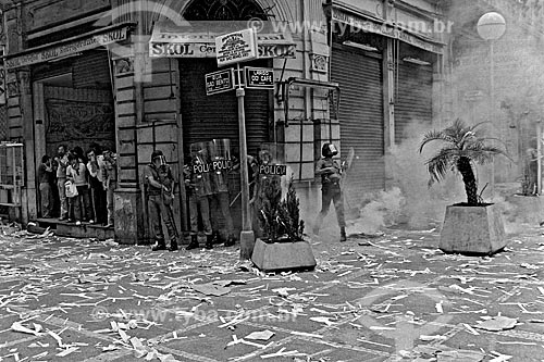 Assunto: Repressão da tropa de choque da Polícia Militar durante a greve dos bancários / Local: São Paulo (SP) - Brasil / Data: 1979