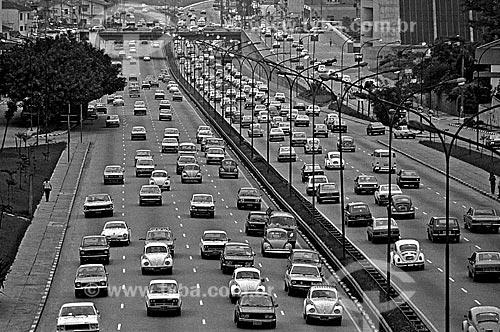Assunto: Trânsito na avenida 23 de Maio / Local: São Paulo (SP) - Brasil / Data: 1979