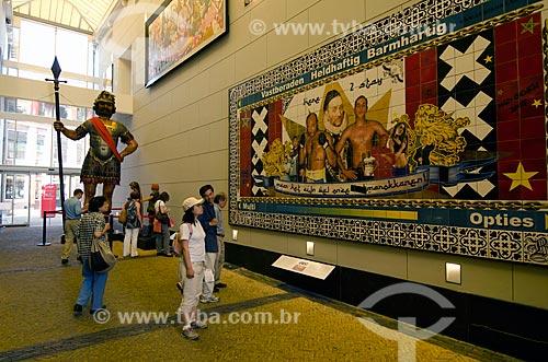 Assunto: Turistas visitando o Museu Histórico de Amsterdam / Local: Amsterdam - Holanda - Europa / Data: 05/2012