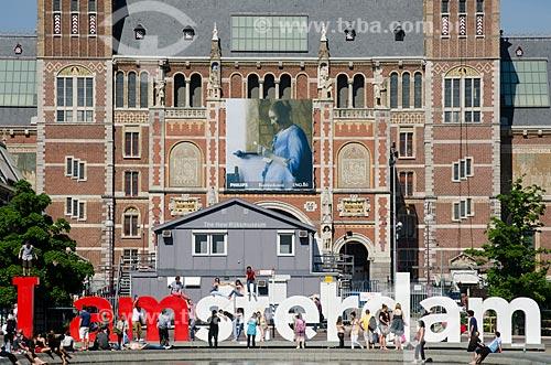 Assunto: Rijksmuseum (1885) - Museu Nacional - com um letreiro com os dizeres I am amsterdam / Local: Amsterdam - Holanda - Europa / Data: 05/2012