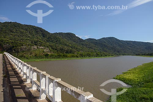Assunto: Ponte sobre o Rio Ribeira de Iguape / Local: Iguape - São Paulo (SP) - Brasil / Data: 11/2012