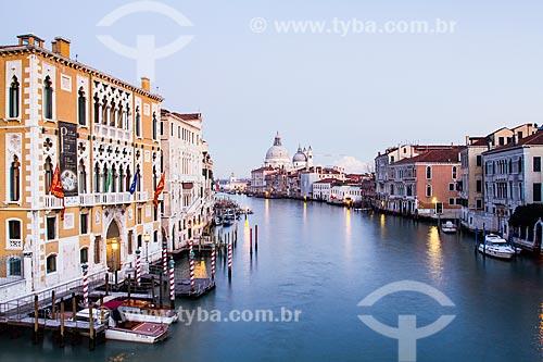 Assunto: Grande Canal visto da ponte dell Accademia / Local: Veneza - Itália - Europa / Data: 12/2012