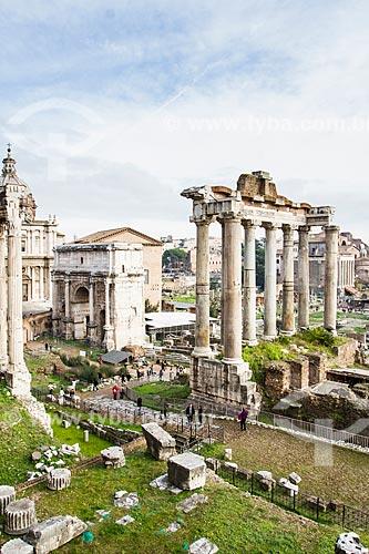 Assunto: Vista do Fórum Romano (Foro Romano) com Arco de Septímio Severo (Arco di Settimio Severo)  / Local: Roma - Itália - Europa / Data: 12/2012