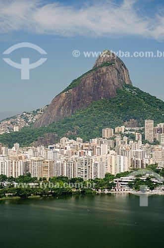 Assunto: Vista da Lagoa Rodrigo de Freitas a partir do Parque Natural Municipal da Catacumba com o Morro Dois Irmãos ao fundo / Local: Lagoa - Rio de Janeiro (RJ) - Brasil / Data: 03/2013