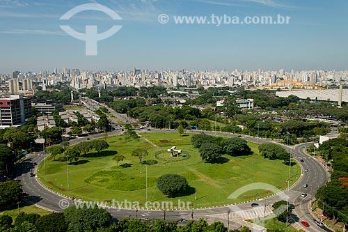 Assunto: Praça Campo de Bagatelle - com uma réplica do 14-Bis - avião projetado por Alberto Santos Dumont / Local: Santana - São Paulo (SP) - Brasil / Data: 02/2013