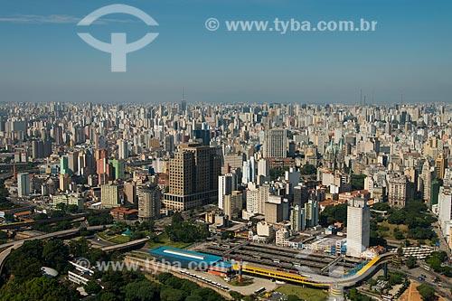 Assunto: Vista aérea do centro histórico com os terminais de ônibus do Parque Dom Pedro II e do Mercado - a baixo / Local: Sé - São Paulo (SP) - Brasil / Data: 02/2013