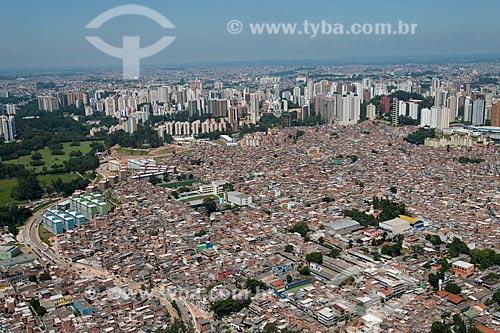 Assunto: Favela Paraisópolis com os prédios da cidade de São Paulo ao fundo / Local: Paraisópolis - São Paulo (SP) - Brasil / Data: 02/2013