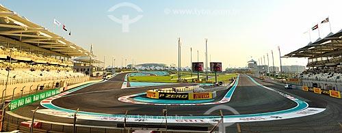 Assunto: Pista e arquibancada do Autódromo de Abu Dhabi (Circuito de Yas Marina) / Local: Ilha Yas - Abu Dhabi - Emirados Árabes Unidos - Ásia / Data: 11/2012
