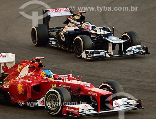 Assunto: Fernando Alonso (Ferrari) e Pastor Maldonado (Williams) durante o Grande Prêmio de Fórmula 1 no Autódromo de Abu Dhabi (Circuito de Yas Marina) / Local: Ilha Yas - Abu Dhabi - Emirados Árabes Unidos - Ásia / Data: 11/2012