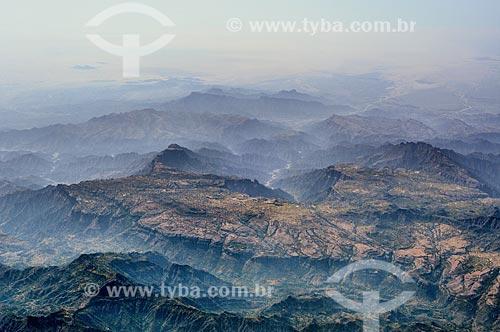Assunto: Vista de montanhas próximo a província de Ad Dali / Local: Iêmen - Ásia / Data: 10/2012