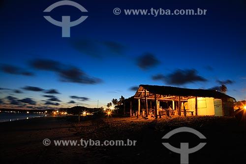 Assunto: Fim de tarde na orla da praia de Pitimbu / Local: Pitimbu - Paraíba (PB) - Brasil / Data: 12/2012