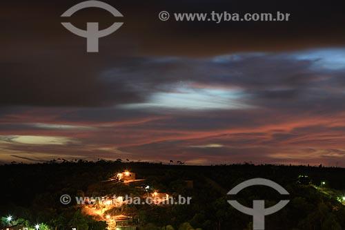 Assunto: Casas na cidade de Pitimbu ao anoitecer / Local: Pitimbu - Paraíba (PB) - Brasil / Data: 01/2013