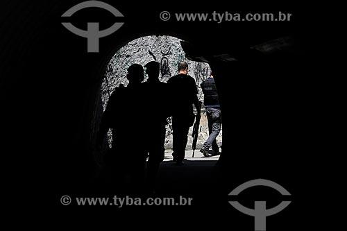 Policiais da Polícia Militar durante o início da instalação da Unidade de Polícia Pacificadora (UPP) no conjunto de favelas do Complexo do Caju e Comunidade da Barreira do Vasco na zona norte do Rio de Janeiro    - Rio de Janeiro - Rio de Janeiro - Brasil
