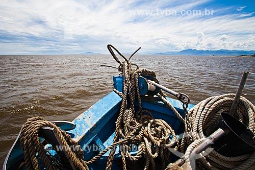 Assunto: Barco na Baía de Sepetiba durante a festa para Yemanjá / Local: Sepetiba - Rio de Janeiro (RJ) - Brasil / Data: 02/2013