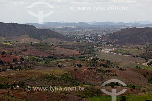 Assunto: Paisagem do Brejo Paraibano com casas na cidade de Alagoa Grande ao fundo / Local: Alagoa Grande - Paraíba (PB) - Brasil / Data: 02/2013