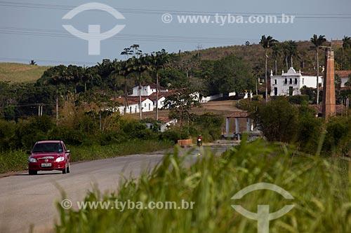 Assunto: Rodovia PE-075 com Engenho Uruaé (Séc.XVII) ao fundo / Local: Goiana - Pernambuco (PE) - Brasil / Data: 02/2013