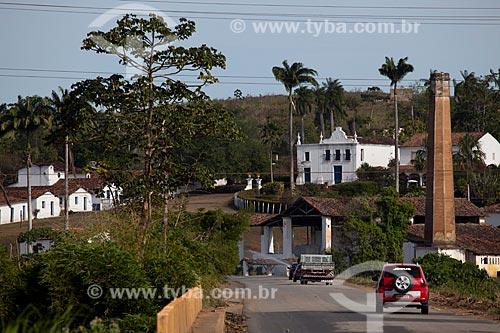 Assunto: Rodovia PE-075 com o  Engenho Uruaé (Século XVII) ao fundo  / Local: Goiana - Pernambuco (PE) - Brasil / Data: 02/2013