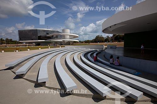 Assunto: Assentos do Anfiteatro com a Torre Mirante da Estação Cabo Branco (2008) - também conhecida como Estação Ciência, Cultura e Artes - ao fundo / Local: João Pessoa - Paraíba (PB) - Brasil / Data: 02/2013