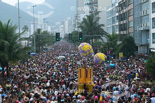 Assunto: Foliões no desfile do Bloco Simpatia é Quase Amor na Avenida Vieira Souto / Local: Ipanema - Rio de Janeiro (RJ) - Brasil / Data: 02/2013