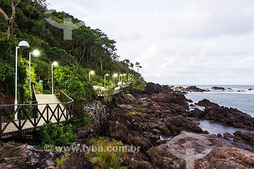 Assunto: Passarela do Pontal Norte, que dá acesso à Praia do Buraco / Local: Balneário Camboriú - Santa Catarina (SC) - Brasil / Data: 03/2013