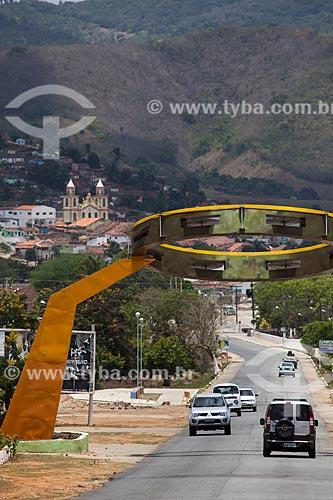 Assunto: Rodovia PB-079 com o pórtico da cidade de Alagoa Grande - cidade natal do compositor Jackson do Pandeiro / Local: Alagoa Grande - Paraíba (PB) - Brasil / Data: 02/2013