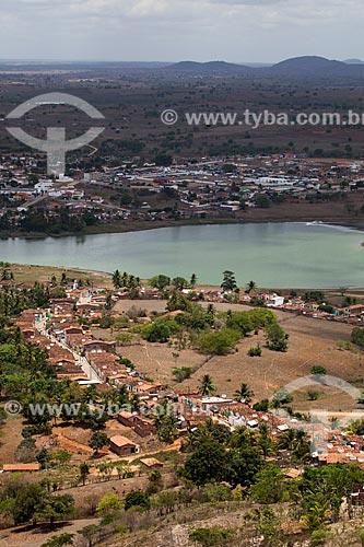 Vista geral da cidade de Alagoa Grande e da antiga Lagoa de Paó, atual Lagoa Grande - também conhecida como Lagoa do Pão - a partir do Morro do Cruzeiro - cidade natal do compositor Jackson do Pandeiro   - Alagoa Grande - Paraíba - Brasil