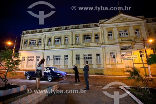 Assunto: Sessão fotográfica de casamento em frente a Escola Estadual de Ensino Fundamental e Médio Ministro José Américo de Almeida / Local: Areia - Paraíba (PB) - Brasil / Data: 02/2013