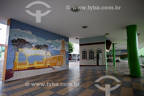 Assunto: Prédio da Prefeitura com painéis em mosaico de azulejos (2005) / Local: Areia - Paraíba (PB) - Brasil / Data: 02/2013