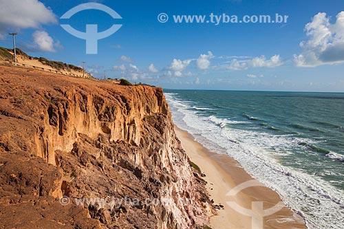 Assunto: Falésias na Praia de Cacimbinhas / Local: Distrito de Pipa - Tibau do Sul - Rio Grande do Norte (RN) - Brasil / Data: 03/2013