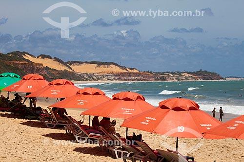 Assunto: Turistas na praia do Madeiro  / Local: Distrito de Pipa - Tibau do Sul - Rio Grande do Norte (RN) - Brasil / Data: 03/2013