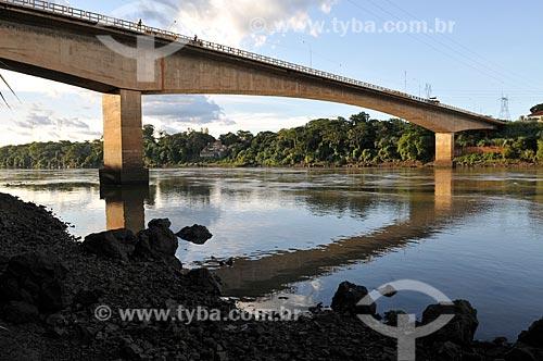 Assunto: Ponte Mendonça Lima sobre o Rio Grande - BR 153 - Rodovia Transbrasiliana, divisa dos estados de São Paulo e Minas Gerais / Local: Fronteira - Minas Gerais (MG) - Brasil / Data: 02/2013