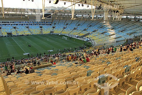 Assunto: Evento-teste do Estádio Jornalista Mário Filho - também conhecido como Maracanã - jogo entre amigos de Ronaldo Fenômeno x amigos de Bebeto que marca a reabertura do estádio / Local: Rio de Janeiro (RJ) - Brasil / Data: 04/2013