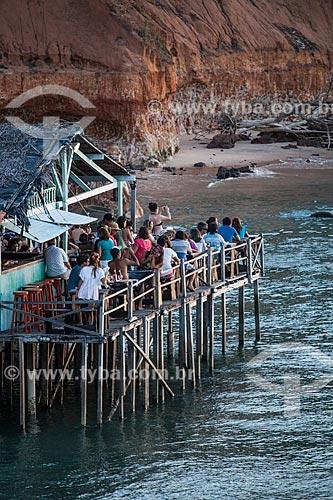 Assunto: Turistas em restaurante de palafita na Lagoa de Guaraíras, também conhecida como Lagoa do Tibau   / Local: Distrito de Pipa - Tibau do Sul - Rio Grande do Norte  (RN) - Brasil / Data: 03/2013