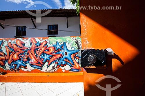 Assunto: Grafite no muro do Projeto das Crianças - ONG que desenvolve várias atividades relacionadas à arte, cultura e esporte para a juventude / Local: Distrito de Pipa - Tibau do Sul - Rio Grande do Norte (RN) - Brasil / Data: 03/2013