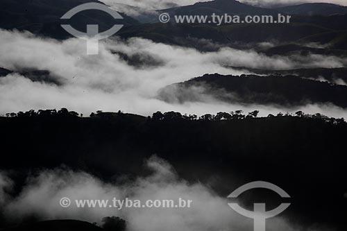 Assunto: Neblina ao amanhecer no Vale do Paraíba / Local: Rio de Janeiro (RJ) - Brasil / Data: 05/2013