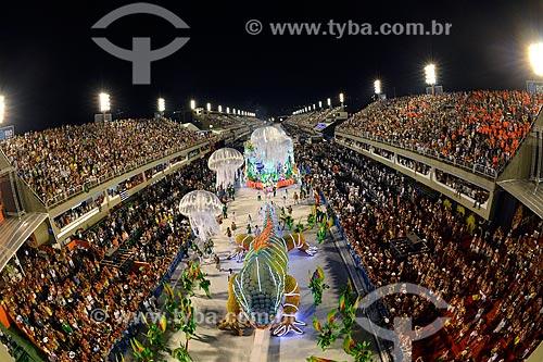 Desfile do Grêmio Recreativo Escola de Samba Acadêmicos do Grande Rio - Carro alegórico - Enredo 2013 - Amo o Rio e vou à luta: Ouro negro sem disputa... contra a injustiça em defesa do Rio  - Rio de Janeiro - Rio de Janeiro - Brasil