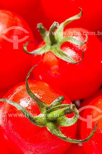 Assunto: Tomate-cereja (Solanum lycopersicum var. cerasiforme) / Local: Florianópolis - Santa Catarina (SC) - Brasil / Data: 05/2013