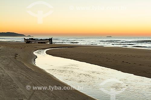 Assunto: Praia do Campeche ao amanhecer / Local: Florianópolis - Santa Catarina (SC) - Brasil / Data: 06/2013
