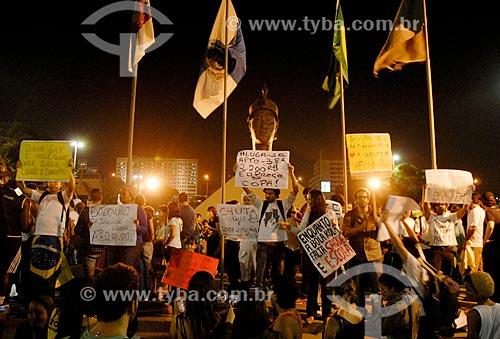 Assunto: Manifestação do Movimento Passe Livre na Avenida Presidente Vargas em frente ao Monumento à Zumbi dos Palmares / Local: Centro - Rio de Janeiro (RJ) - Brasil / Data: 06/2013