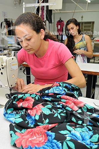 Costureiras trabalhando na produção de roupas  - Ibirá - São Paulo - Brasil